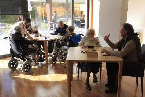 Apuntarse a nuevas actividades puede retrasar el Alzheimer