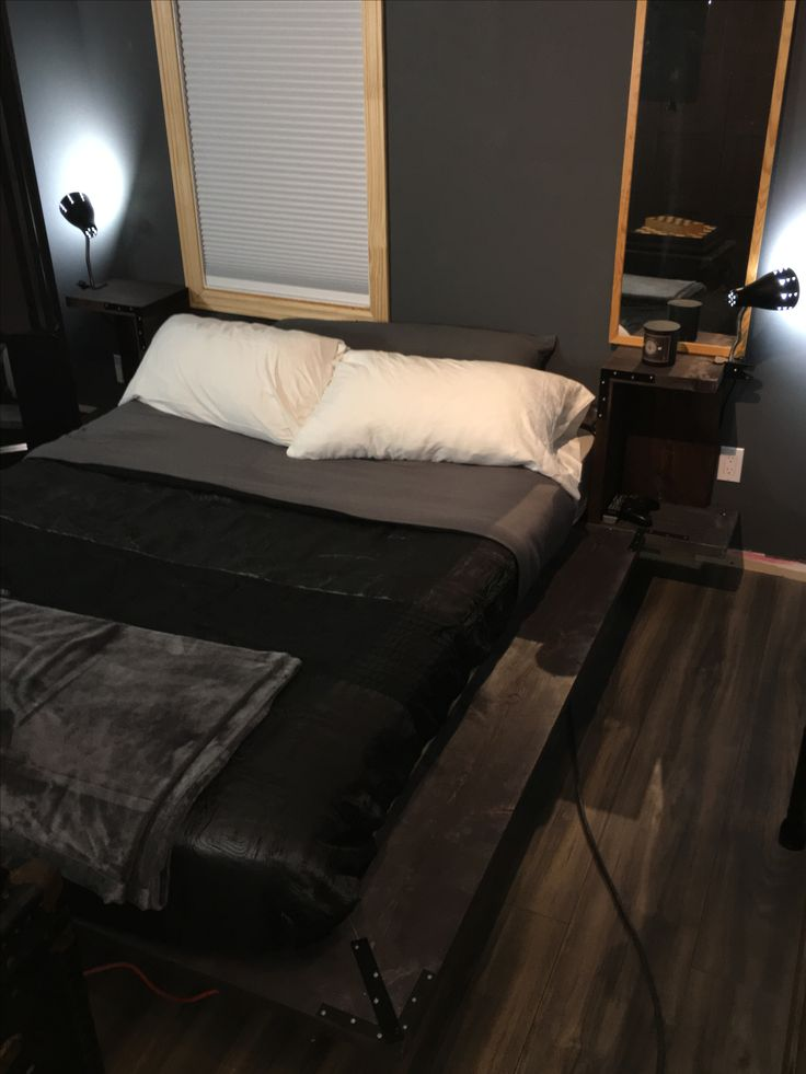 best 25 homemade bed frames ideas on pinterest homemade spare bedroom furniture bed without. Black Bedroom Furniture Sets. Home Design Ideas