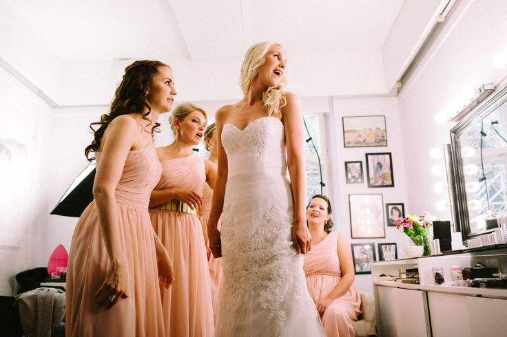 Wedding Morning / Bride / Lace Wedding Dress / Bridesmaid Dresses  / John and Saara's Wedding. Photography by Maria Hedengren.