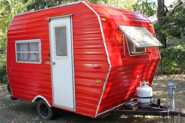 25 best images about small campers on pinterest homemade vintage trailers and vintage campers. Black Bedroom Furniture Sets. Home Design Ideas