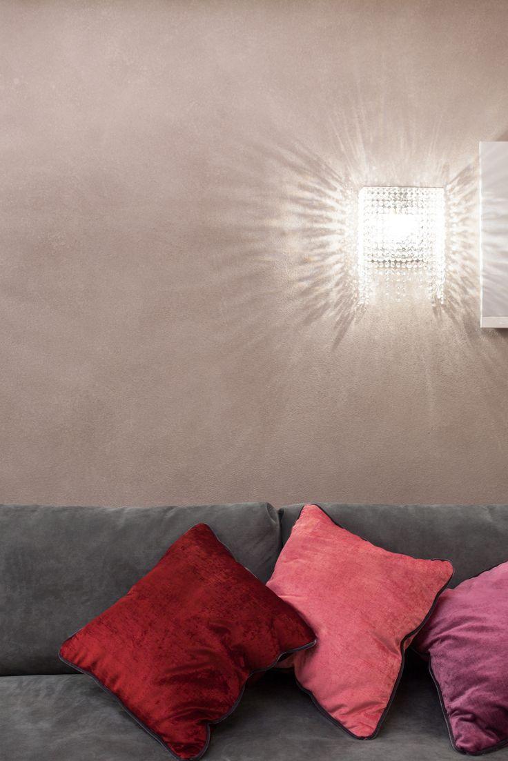 Linea W crystal wall lamp by Manooi, Interior is designed by KN Buro #Manooi #Chandelier #CrystalChandelier #Design #Lighting #luxury #furniture #interior #interiordesign