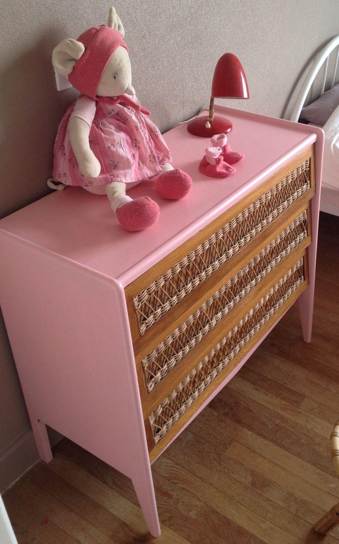 commode 50 39 s ch ne et rotin r nov e par atelier 7 r tro vis e mobilier vintage enfant. Black Bedroom Furniture Sets. Home Design Ideas