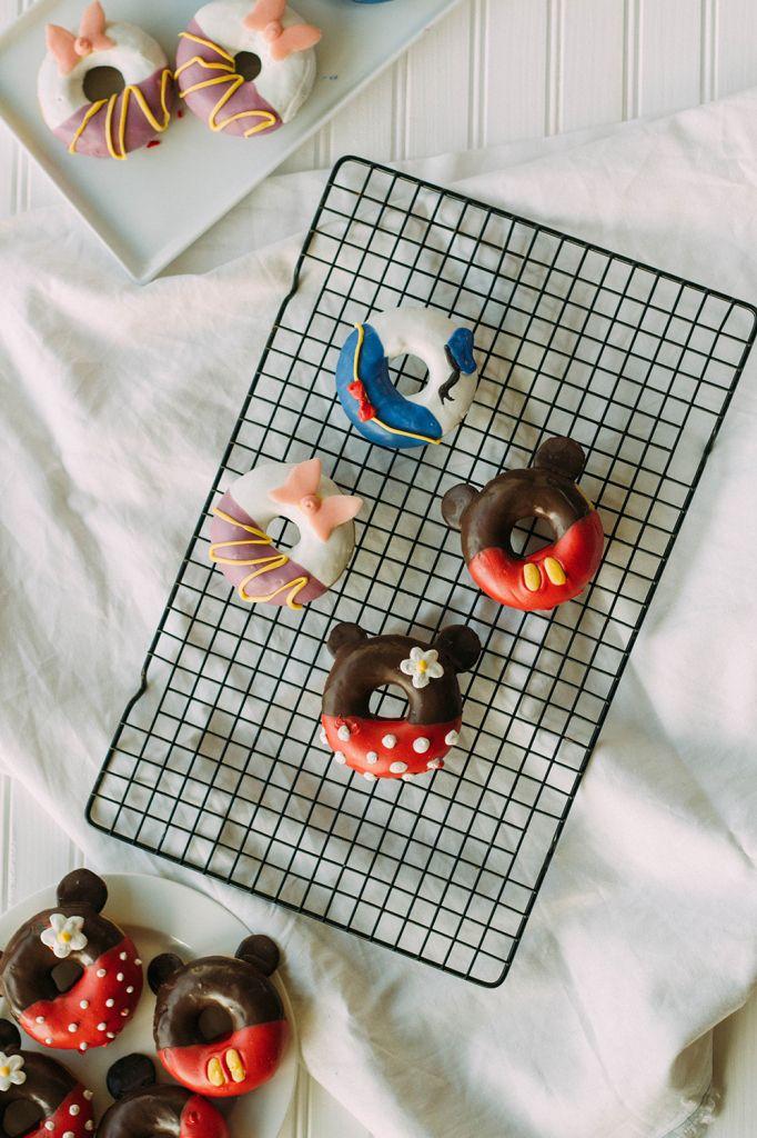 Декор глазированных пончиков в духе Дисней