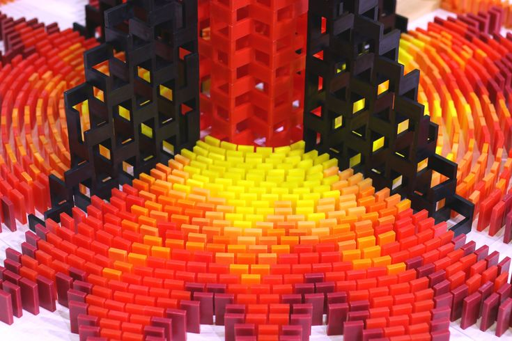 Amazing: 200,000 Dominoes chain reaction [Video] - http://www.yardhype.com/amazing-200000-dominoes-chain-reaction-video/