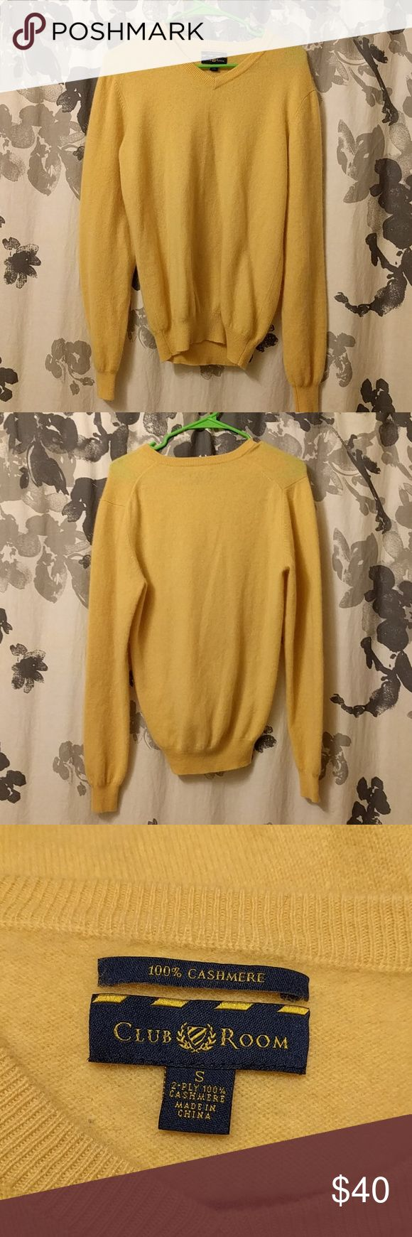 Men's cashmere sweater Yellow-100% cashmere sweater. Good condition, the forth picture shows the texture best. Open to offers. Club Room Sweaters Turtleneck