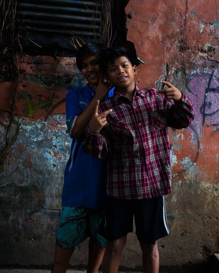 Sahabat seperjuang!  // sukrologi.wordpresa.com // lelakikece (snapchat) // Kota Tua Jakarta  #anak #jalanan #jakarta #indonesia #kemiskinan #bukan #batasan #instagram #smile #happy #poverty #1x8 #gnfi #friends #life #red #faces #face #of #pose #indonesian #people #kids #fashion #kidsfashion