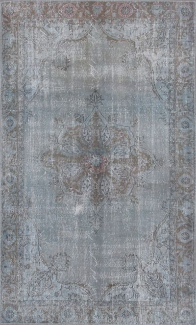vintage over-dyed rug from kush...would be amazing in our living room. Oh dear rug how I want you so badly!!