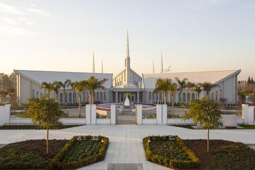 Información del templo y horarios de LaIglesia de Jesucristo de los Santos de los Últimos Días (también conocida como la iglesia SUD o iglesia mormona)