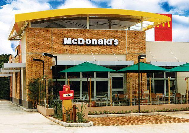 Quando Steve Easterbrook tomou o comando do McDonald's em 2015, a maior companhia mundial de fast food estava enfrentando uma crise de identidade.