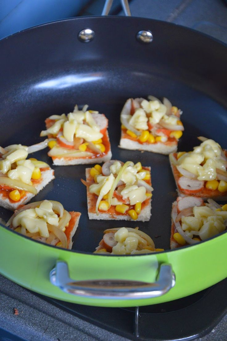 Diah Didi's Kitchen: Aneka Menu Kudapan Ringan Penyemarak Malam Tahun Baru