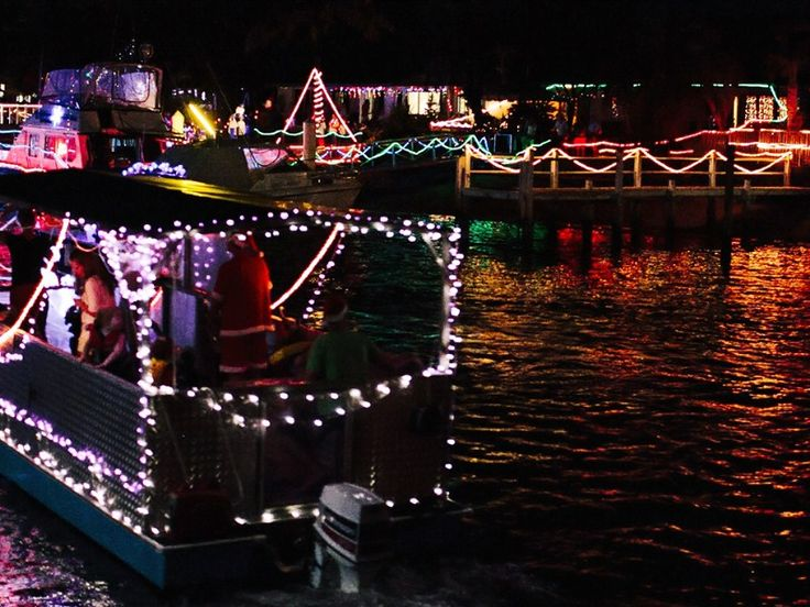 Thrills at the Christmas Boat Parade in Mooloolaba, Sunshine Coast. #Christmas #BoatParade  #Mooloolaba #SunshineCoast  @OzeHols - Holiday Accommodation