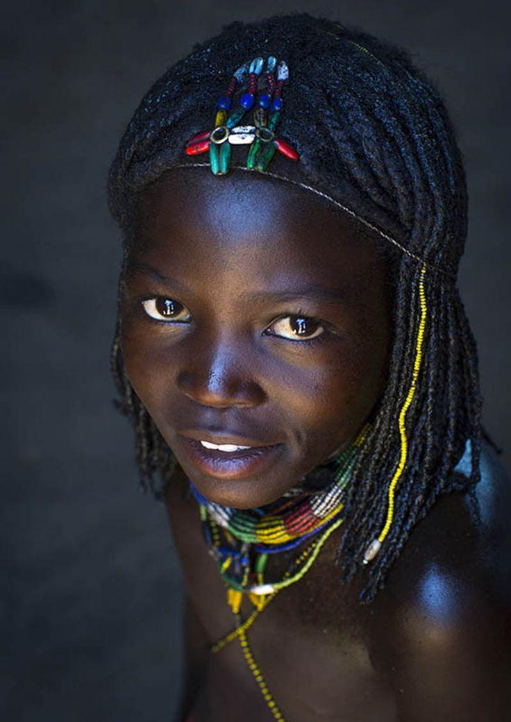 Découvrez 10 merveilleux portraits d'enfants en Namibie d'Éric Lafforgue