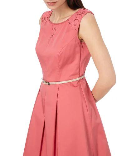 COMMA Kleid mit Kontrasteinsätzen aus Spitze in Rot online kaufen (9640674) | P&C Online Shop