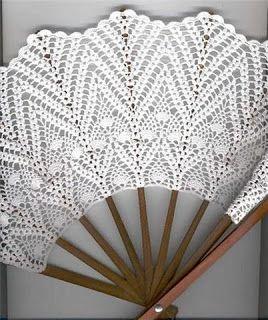 Crochet fan/ éventail                                                       …                                                                                                                                                                                 Plus