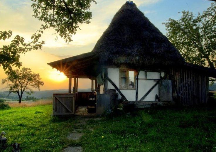 Roșia village - Apuseni Mountains -   Photo by: Marian Poara