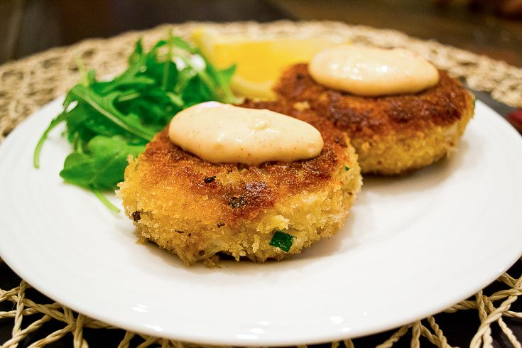 Panko encrusted crab cakes with spicy mayo. Simple and delicious.