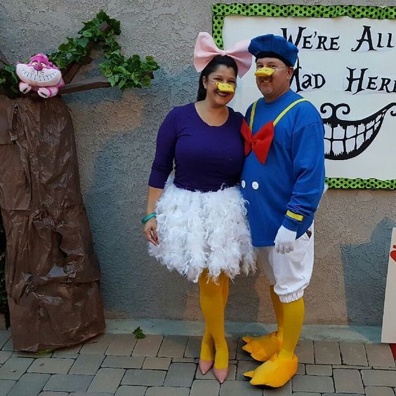DIY Donald & Daisy Duck Halloween Couple Costume Idea