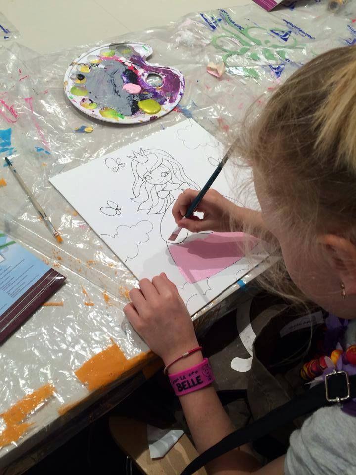 Dejlig underholdning til de lidt større fra Avenue Mandarine. Køb på Filur.dk. :-) #tegn #mal #lærred #kunst #børn