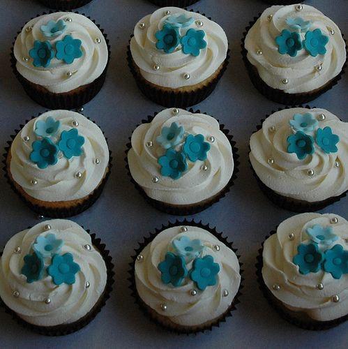 Simple Wedding Cupcake Ideas: 18 Best Cupcake Bleu Et Turquoise Images On Pinterest