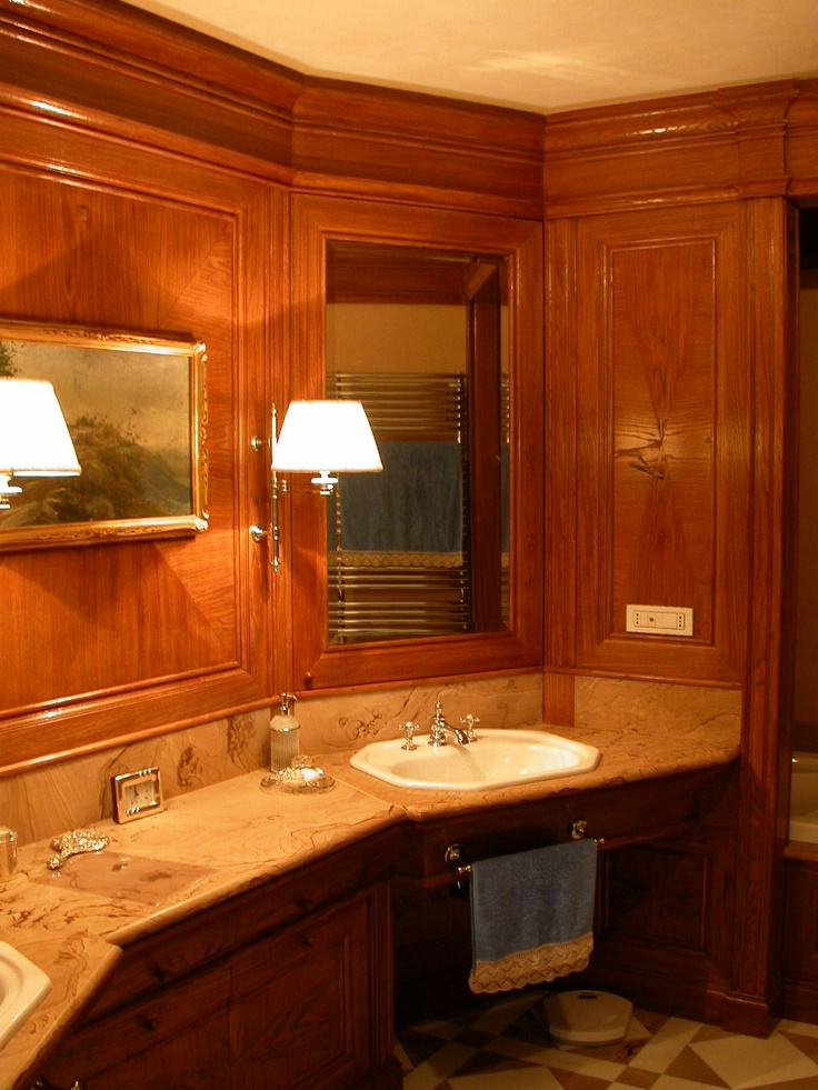 Master bathroom vanity and wallpanelling in brushed oak