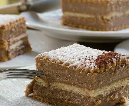 Σοκολατένιο γλύκισμα με μπισκότα και μερέντα