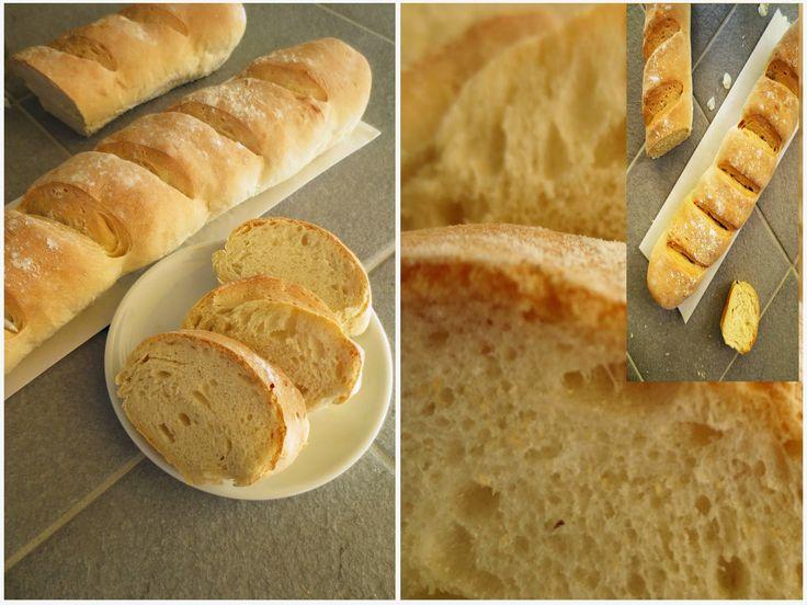 Французский багет - это вкусный, воздушный хлеб с хрустящей корочкой и мягкий внутри.