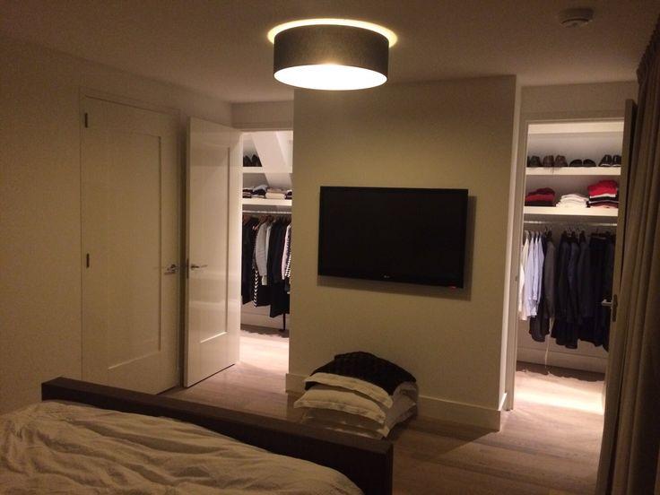 #bedroom#walk in closet #inloopkast vanuit slaapkamer #solid floor lausanne