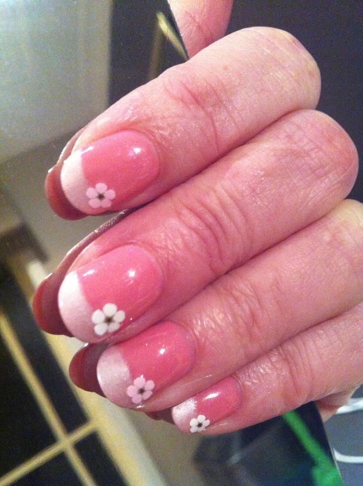 Nails - Rosebud and white pearl mica powder