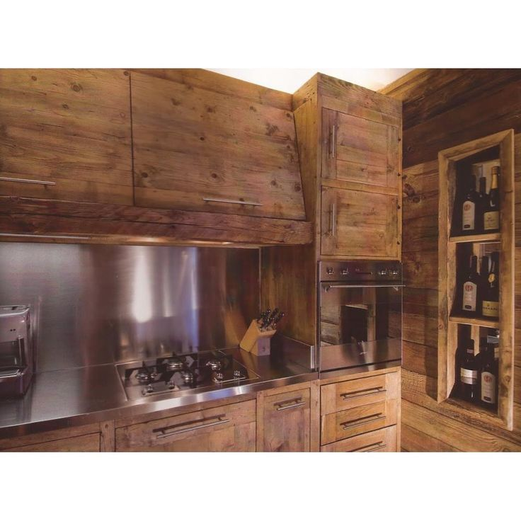 ujrahasznositott faanyag konyha tervezes kivitelezes tomorfa loft modern ipari stilus konyhabutor.jpg (1000×1000)