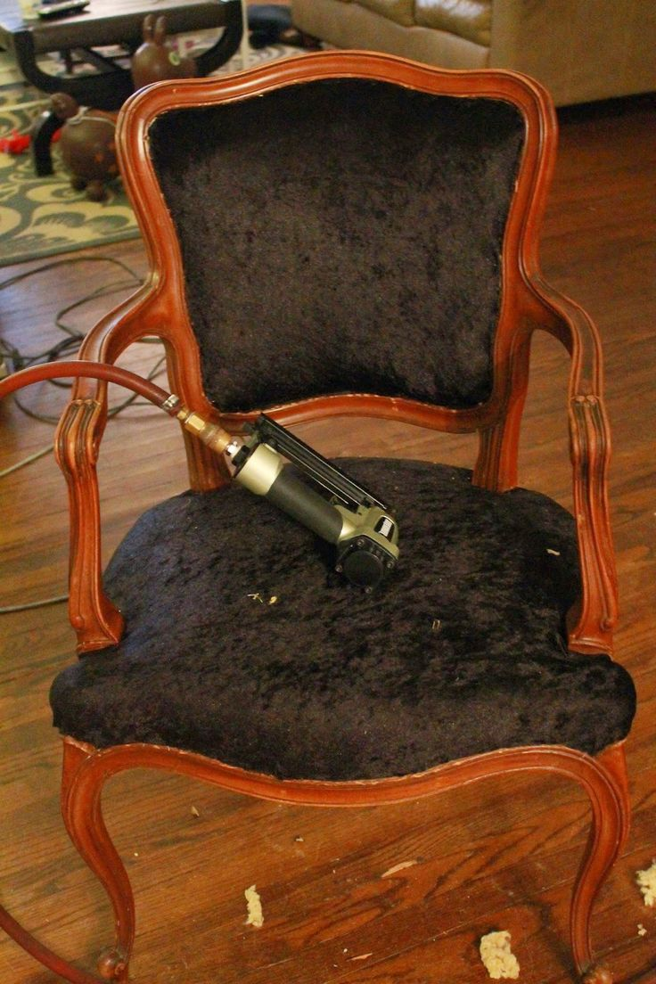 How to reupholster a louis chair - Diy Reupholstering A Louis Xv Chair Decor Blogs More At Fosterginger Pinterest