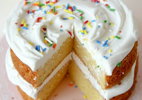 Twinkie Layer Cake - Confessions of a Cookbook Queen, http://www.confessionsofacookbookqueen.com/2013/06/twinkie-layer-cake/