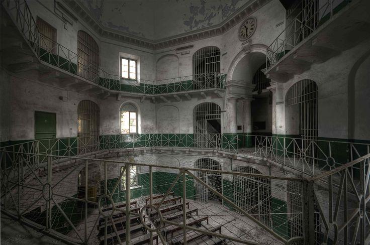 il corpo centrale del carcere | by Mr.Baldo