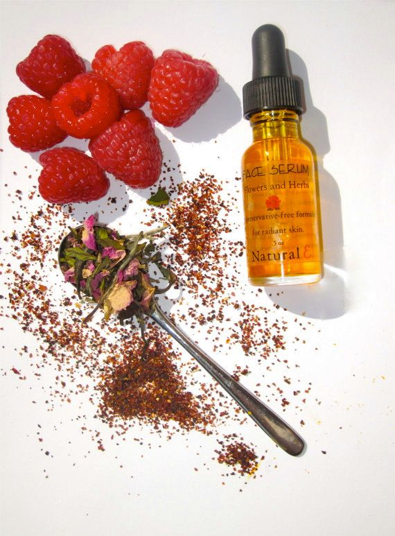 Face Serum by Natural E--this face serum absorbs like a dream--red raspberry oil--olive squalane--rose hip oil--no preservatives