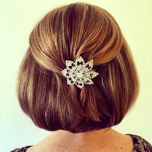 simple half up half down bob hairstyle