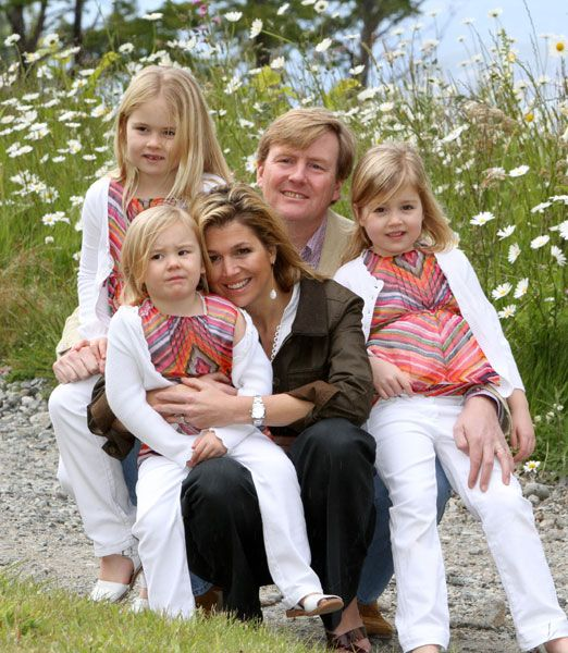 Prince Willem-Alexander of Orange, Princess Maxima,Princess Catherina-Amalia(L), Princess Alexia(R) and Princess Ariane(F)