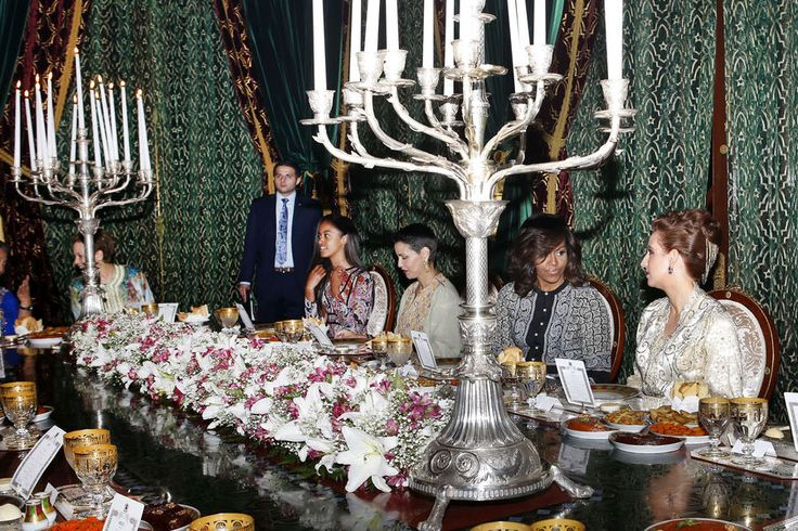 La princesse Lalla Salma, épouse du roi du Maroc, et ses trois belles-sœurs ont partagé ce mardi le repas de l'iftar au Palais royal à Marrakech avec...