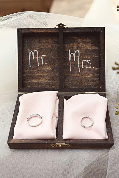 "Love this display of wedding bands in a wood box with ""Mr."" and ""Mrs."" designating the rings! Shabby yet chic! {Heather Rice Photography}"
