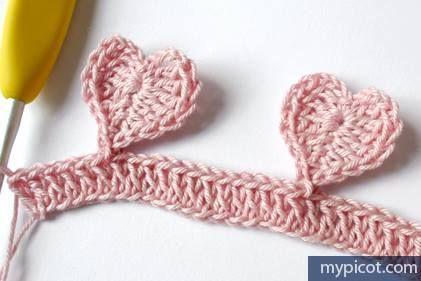 Manta para bebe tejida a crochet con puntos de corazon-7
