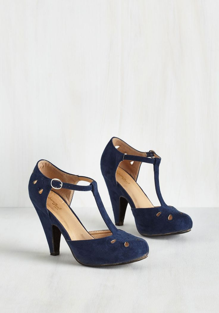 The Zest is History heel in navy