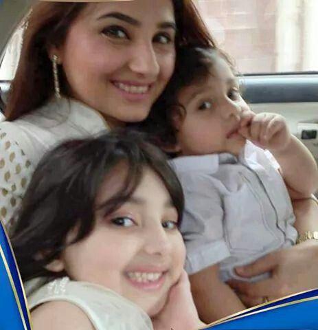 Javeria daughter nd son.... | Celebrity moms& father kids ...