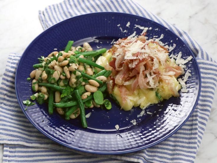 Krämig polenta med parmesan och bönor | Recept från Köket.se