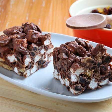 Raisin S'more Bars so easy to make! #dessert #recipe #farmerowned
