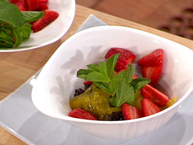 Black Sticky Rice Pudding with Strawberries and Mango Syrup | Recipe