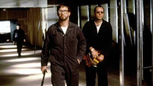 The Usual Suspects, is a 1995 German-American neo-noir crime thriller film directed by Bryan Singer and written by Christopher McQuarrie. It stars Stephen Baldwin, Gabriel Byrne, Benicio del Toro, Kevin Pollak, Chazz Palminteri, Pete Postlethwaite and Kevin Spacey.