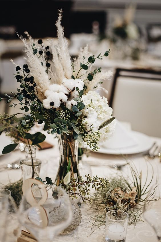 Love the cotton mixed with the wheat! Find more like this on the Salt & Straw mood board of Calicoleweddings.com