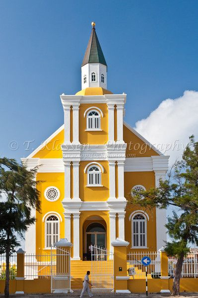 Dutch Colonial architecture, city administrative building, Willemstad, Curacao | T. Klassen Photography