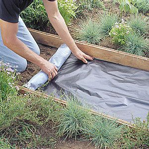 Step-by-step: Flagstone path | Step 1 | Sunset.com I want to do this on a larger scale right off my back patio. Hmm...some day.