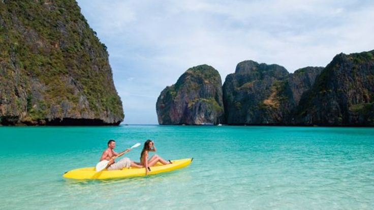 Cat Ba Island offers a beautiful location for the travelers to have an amazing vacation.