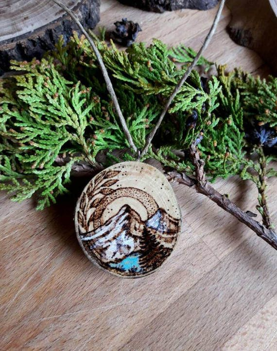 Mountains scenery pendant - Pyrography on wood . Available now in the shop!✨☺  https://www.etsy.com/it/listing/497346999/ciondolo-paesaggio-di-montagna
