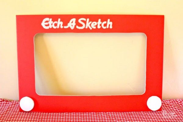 make a Etch A Sketch photo prop - Design Dazzle